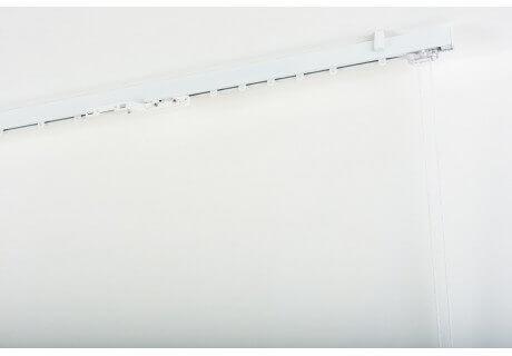 Binario per Tende in Alluminio laccato bianco 32x12mm con Supporto a Soffitto con Comando a Corda